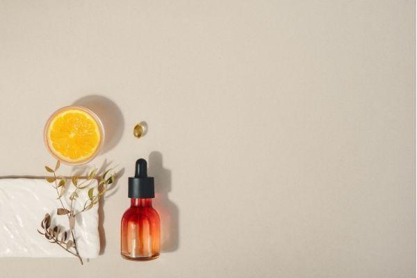 ローズヒップオイルは肌の悩みに万能な美容オイル!